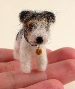 felt-dog-in-hand
